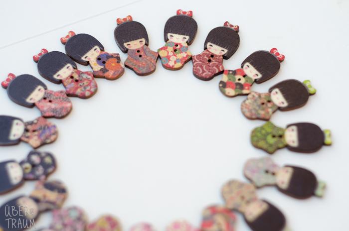 Geisha Wooden Buttons - set of 5