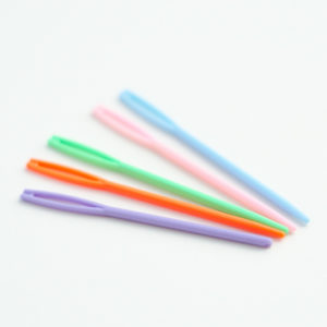 Small Plastic Tapestry Needles - set of 2