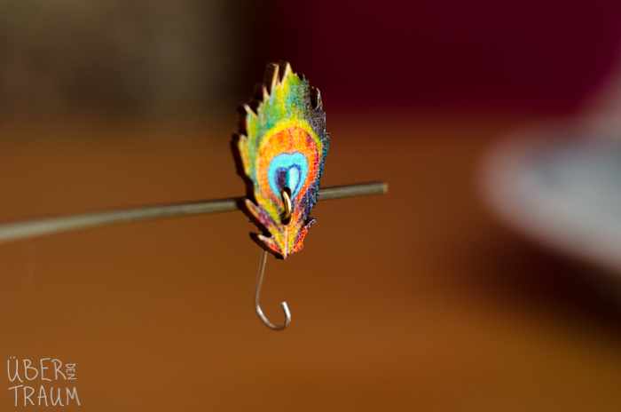 Magnetic Knitting Pin - Peacock Feathers